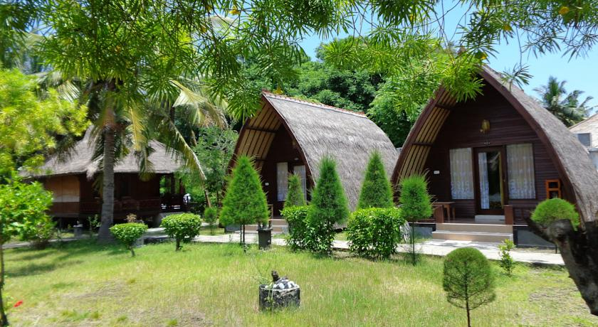 2 Sandy Beach Bungalows Lombok